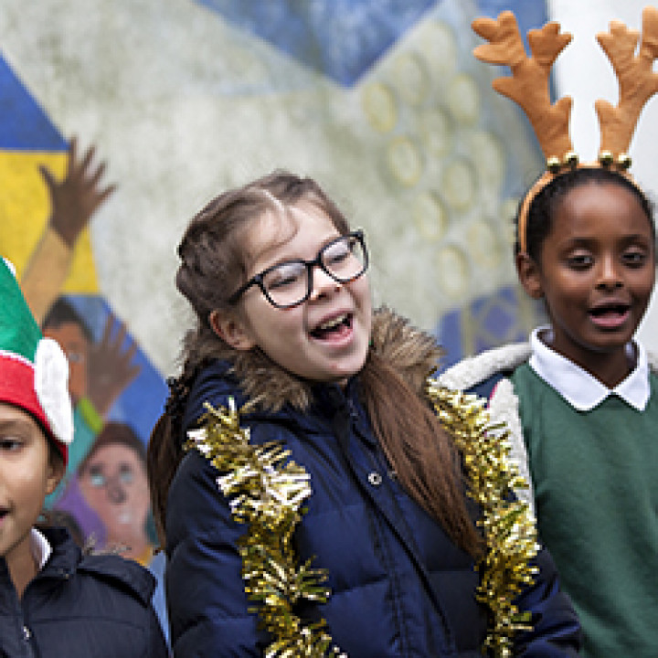 Jingle all the way! Carolling tips for schools